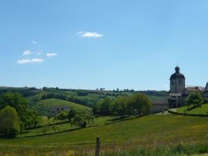 Mourjou et la maison de la Châtaigne