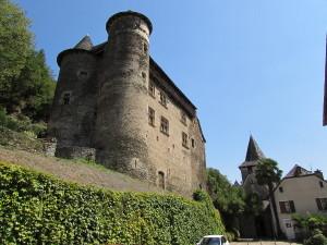 Chateau de Vieillevie au bord du Lot