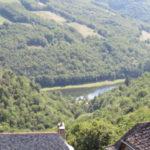 Vue plongeante sur le Lot du village de la Vinzelle